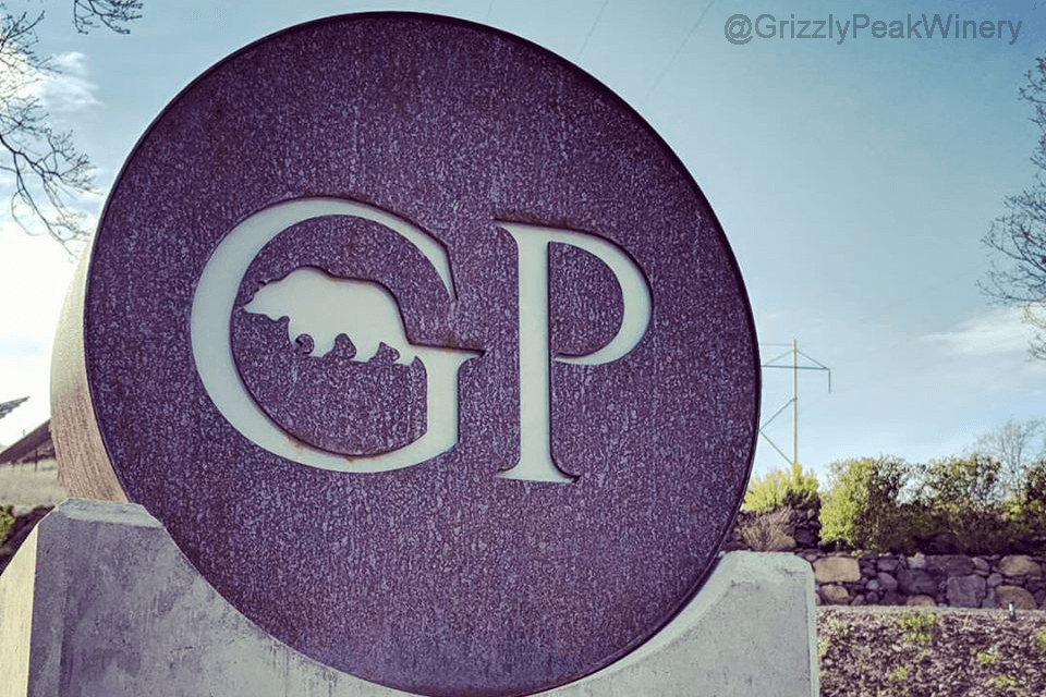 Grizzly Peak Winery sign